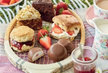 Wimbledon / Wimbledon is now in full swing! Which means it's time to enjoy a delicious bowl of strawberries and cream and many more tasty treats. This board is a serving full of everything you need to enjoy Wimbledon in style.