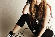 avril lavigne / by Snow Cervantes