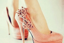 Amazing Shoes and Purses :) / by Lyndsey Welch