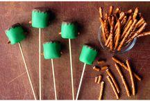 Marshmallow Pops / by Jazzy Jazz