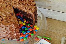 Pinata Cakes that will knock your socks off!