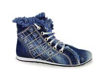 boty a oblečení
