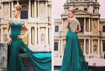 DRESSES TO DIE FOR  / Amazing, spectacular, perfect dresses