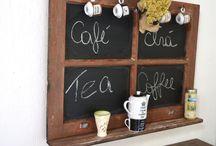 LOUSA CAFÈ / lousa prateleira, porta canecas , canto café,