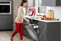 Appliance Buying Tips / Learn what to look for in your next kitchen appliances.