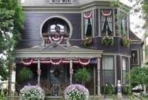 Victorian Homes / by Carol Ann