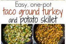 One Skillet Dinner / Easy dinner recipes made in one pot!