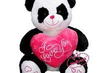 Oyuncak kalp yastıklı panda