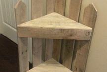Угловой столик в стиле рустик