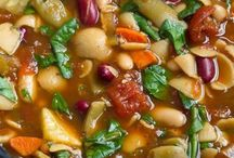 Soups On! / Soup recipes featuring beans.