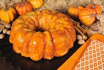 Bridgford's Fall Favorites! / It's #FALL which means cozy baked goods and pumpkin EVERYTHING. Try these delightful recipes from Bridgford! #FallBaking #BridgfordFoods