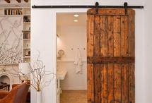 Escaleras y puertas