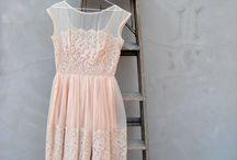 Dress (up)