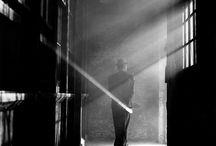 Rodney Smith / La fotografía de Rodney Smith está cargada de humor, de simbolismos, de inteligencia y de surrealismos. Un autor que nos puede aportar mucho como fotógrafos de boda. Hemos hablado de él aquí: http://www.artslibri.com/rodney-smith-obra-que-inspira-fotografos-boda/