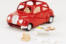 Sylvanian Families Rodzinny Sedan / Wyjątkowe zabawki dla dzieci marki Sylvanian Families