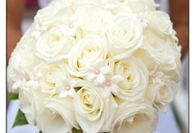 Flowers / Special events need flowers as well as sweet treats. www.bisousweet.com