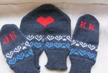Crochet couple gloves