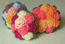 Buquês e arranjos em crochê / Dicas de crochê do site www.floresdecroche.com.br  Visite-nos Curta no FB: @clubedecrocheoficial
