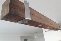 moje wyroby / lampa drewniana, art wood z drewna sosnowego , barwiona kolor ciemny brąz, lampa wykonana jest ręcznie z belki drewnianej nie klejonej,  wymiary: długość 140 cm szerokość 13 cm wysokość 13 cm , ręcznie wykonana, naturalne pęknięcia dodają indywidualnego charakteru.  Możliwość wykonania podobnej lampy w innych wymiarach i kolorach.