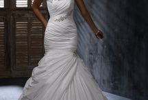 wedding dresses / by London_Vito