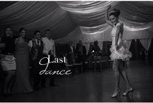 Wedding pictures with songs' lyrics / Fotos de bodas en las que hemos mezclado letras de canciones para darles título