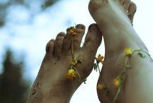 Barefoot spirit  / Barefoot loving the juiciness of life