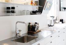 neat kitchen >