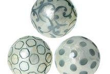 Bolas Decorativas de Nácar / Originales y bonitas bolas de nácar de diferentes estilos y colores para dar color y luz a tus centros de mesa en el hogar.