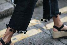Pantaloni con nappine