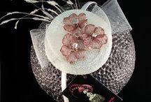 Mini Tocados Mamá / Todos los Diseños están realizados por encargo, personalizados para cada mujer, una vez me envían fotografía de ellas y de sus vestidos comienzo a Diseñar SU PI