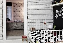 Black + White / Make a statement with black + white walls