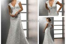 Wedding dresses / by Erin Carlin