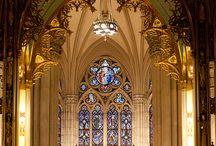 Katedrály a kostely