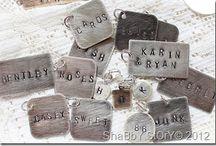 metal tags / tags made of metal