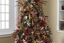 Renaissance Revelry   / Gold, purple & red are the main colors in this theme.  Using instruments and regal items, this collection  is sure to make your Christmas elegant and timeless.