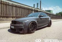 Carbonowe dodatki dla BMW 1 M Coupe / BMW 1 M Coupe z dodatkami wykonanymi z włókna węglowego.  Szukacie najwyższej jakości carbonowych akcesoriów do swojego BMW?  Sprawdźcie w GranSport - Luxury Tuning & Concierge: http://gransport.pl/index.php/carbon/bmw/seria-1-e81-e82-e87-i-e88.html