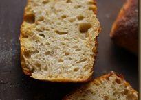 Brot und Brötchen mit Kartoffeln