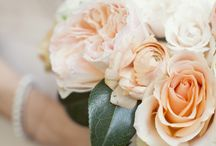 Inspire you {Peach/nude flowers} / Wedding flower ideas