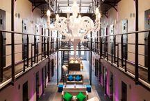 MyBigElseWhere Hotels / Somewhere else than in My big Geneva in a hotel.  Quelque part ailleurs... qu'à Genève dans un hôtel.