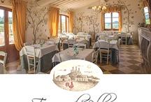 Taverna di Bibbiano / Agriturismo romantico in Toscana con camere e suite di charme (bed and breakfast romantico), ristorante romantico, negozietto romantico con manufatti che contengono la lavanda coltivata nei nostri campi, campi di lavanda, girasoli, grano, altri fiori.