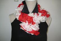 Ballerina Knitting Ruffle Scarf Red White