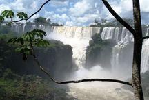 Cascate più Grandi del Mondo / In questa Categoria possiamo trovare le cascate più alte e famose del nostro pianeta terra. Immagini spettacolari dei salti d'acqua più alti e potenti del mondo.