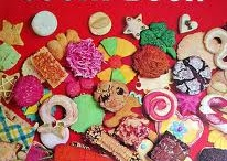 Cakes,Cupcakes,Cookies... Sweetness / by Lydia Enriquez