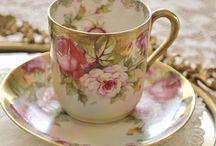 Five o' clock tea / Una buena manera de celebrar con amigas. . .