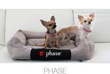 Pre štvornohých miláčikov / Peliešky. Doprajte Vášmu domácemu miláčikovi maximálne pohodlie v štýlovom peliešku. Viac informácií na: http://sedackyphase.sk/sofa/peliesok-phase/