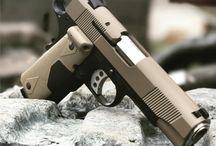 Пистолеты и Револьверы / Огнестрельное оружие, пистолеты