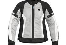 Abbigliamento moto per donna / Abbigliamento per motocicliste, giacche e altri indumenti per donne