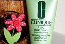 Schön gepflegt ab 50 / Hier geht es um geeignete Beauty-Produkte für die Frau ab 45+. Gerade diese Altersgruppe wird in der Werbung gerne vergessen. Das möchte ich ändern und zeigen, dass auch (oder gerade) Frauen ab 50 an gutem Aussehen und guten Pflegeprodukten interessiert sind. Auf meinem Beauty-Blog für die Frau ab 45+ findet ihr die jeweilige Review zu den hier gepinnten Produkten., schaut gerne mal vorbei: http://ladylike-nellystories.blogspot.de/