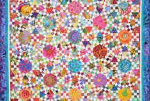 Quilts with small floral prints / For all those dratted floral bits and pieces that keep hanging around