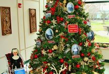 Franciscans Celebrate 150 Years of Doing Works of Neighborly Love / More than 400 guests toured the Motherhouse at St. Francis Woods in Frankfort, Illinois this December and were treated to Franciscan hospitality, stories of our 150-year history, music, decorations and refreshments.